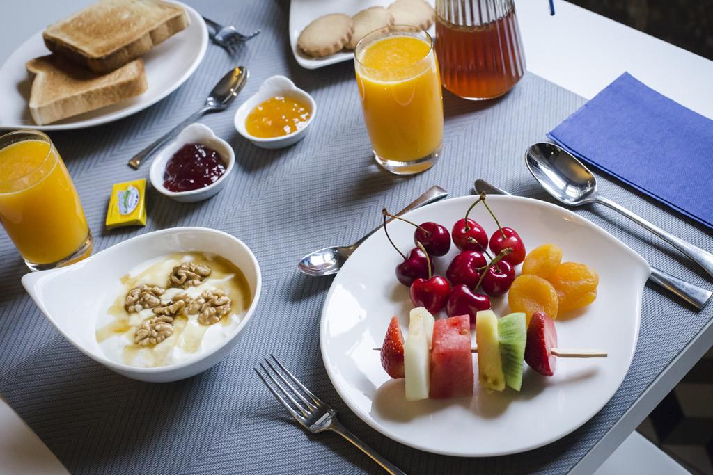 02-Desayuno-ANTIGUO-CASINO-Hotel-Boutique-con-Encanto-Pravia-Asturias