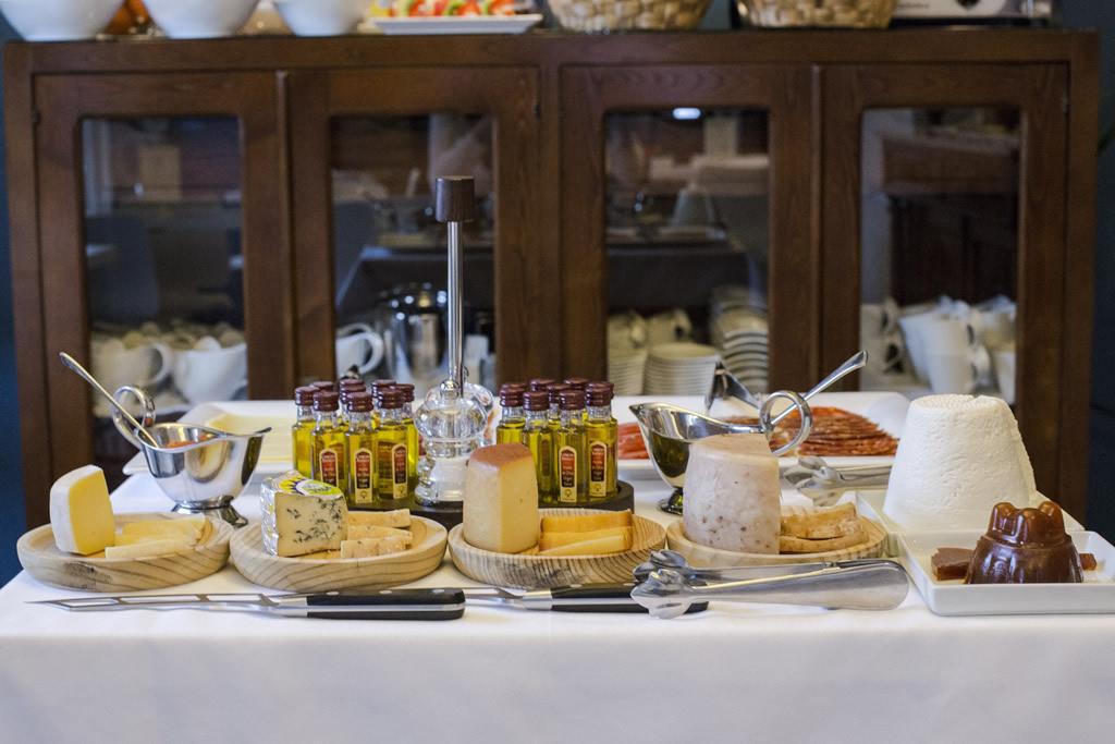 03-Desayuno-ANTIGUO-CASINO-Hotel-Boutique-con-Encanto-Pravia-Asturias