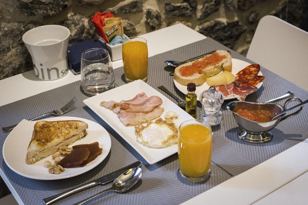 05-Desayuno-ANTIGUO-CASINO-Hotel-Boutique-con-Encanto-Pravia-Asturias