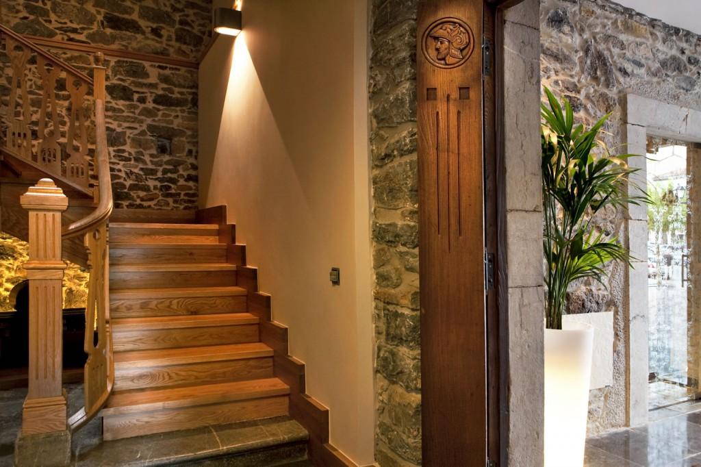 07 Escalera ANTIGUO CASINO Hotel Boutique con Encanto Pravia Asturias